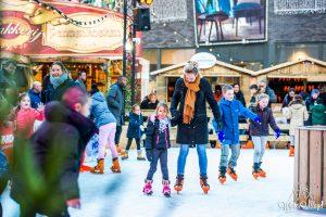 Winter Village Almere schaatsers