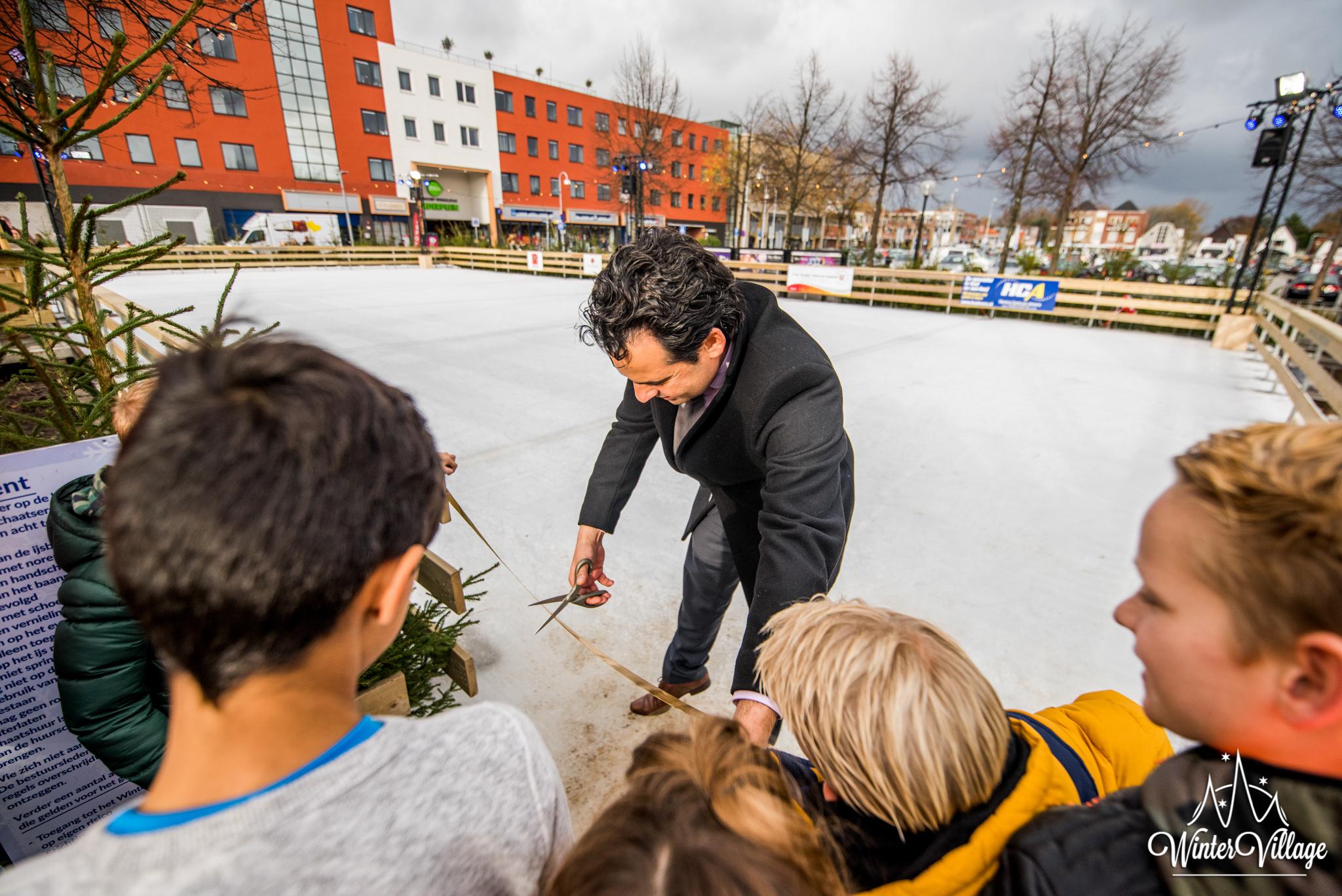 Winter Village Hoofddorp openingsceremonie met de wethouder