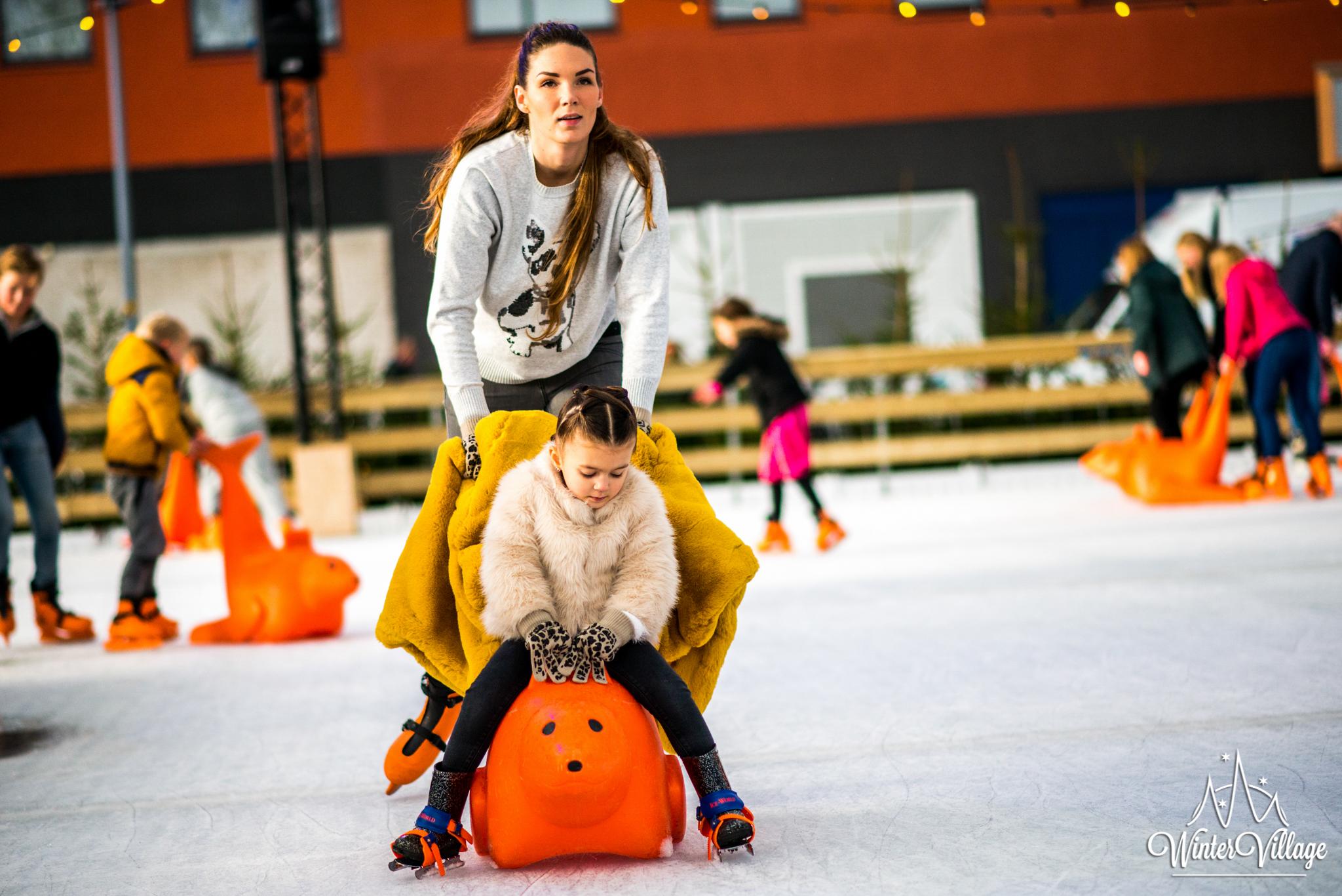 Winter Village Hoofddorp schaatsers