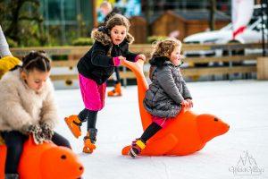 Winter Village Hoofddorp schaatsende kinderen