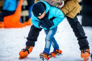 Winter Village Laren Schaatsers
