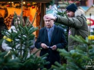 Winter Village Amstelveen Kerstmarkt Kerstbomen kraam